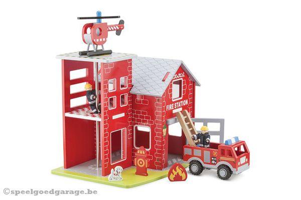 Speelgoed Garage Hout : New classic toys brandweerkazerne hout speelgoedgarage be